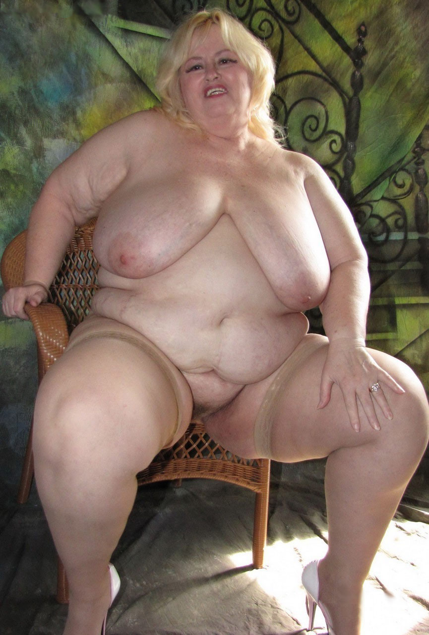 nude plump matures